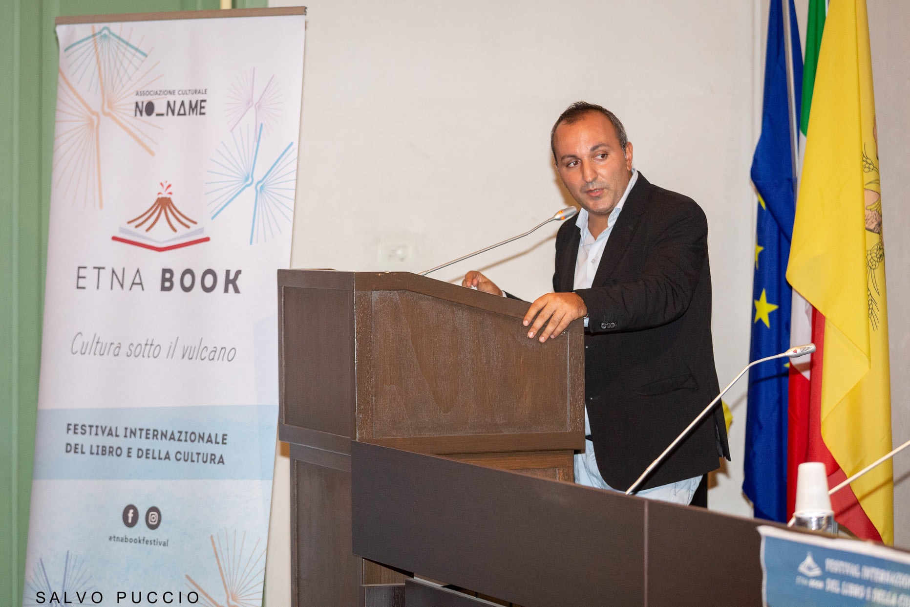 """Etnabook 2021: semifinalisti del Premio Letterario """"Cultura sotto il vulcano"""" e gli ospiti della rassegna EtnaStar"""
